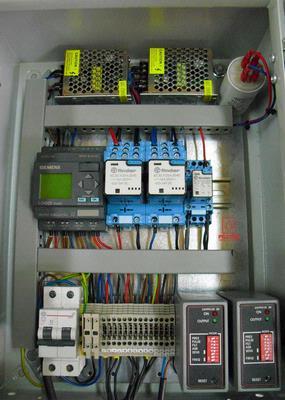 Equipos de control | ARMARIO DE CONTROL PARA PILONAS AUTOMATICAS BASADO EN PLC